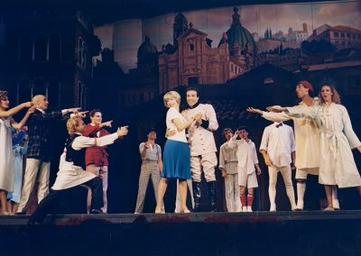 """Se il tempo fosse un gambero (1986). Insieme a Nancy Brilli in """"Uomo è""""."""