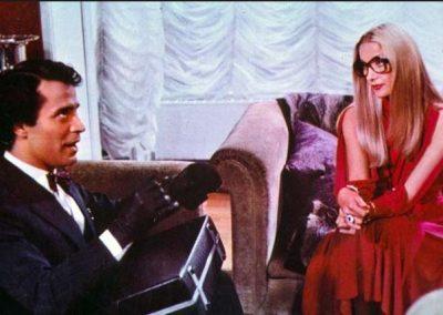 40 gradi all'ombra del lenzuolo (1976). Insieme a Barbara Bouchet.