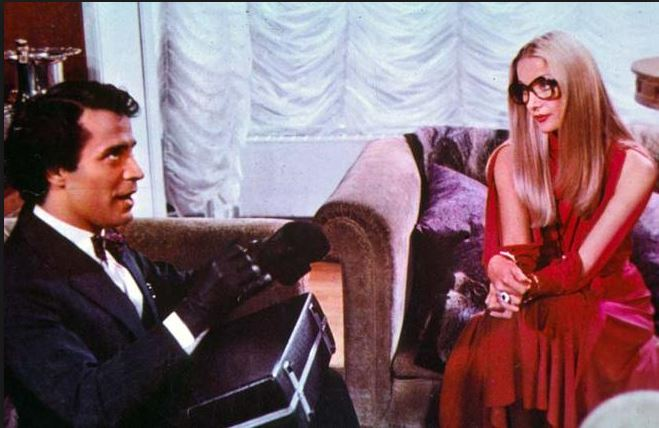 40 gradi all'ombra del lenzuolo (1976), insieme a Barbara Bouchet