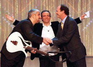 Enrico Montesano con Pino Daniele e Paulo Roberto Falcao
