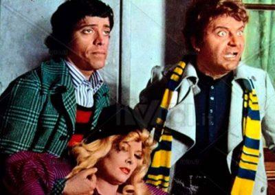 Il terrore con gli occhi storti (1972). Insieme ad Alighiero Noschese e Isabella Biagini.